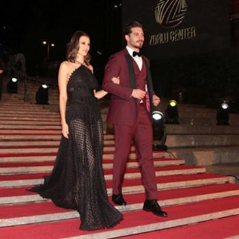 Ay Yapım imzalı, Çağatay Ulusoy ve Leyla Lydia Tuğutlu'nun rol aldığı yılın en güzel aşk filmi 'Delibal'ın gala geccesi 20 Aralık Pazar günü Zorlu Performans Sanatları Merkezi'nde görkemli bir davetle gerçekleştirildi.