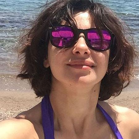 Şu sıralar 'Kış Güneşi' dizisiyle ekranlarda olan Nesrin Cevadzade paylaştığı fotoğrafla Instagram'ı salladı.