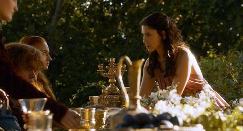 Sibelk Kekilli Game Of Thrones dizisinde küçük bir rolde de oynamıştı.