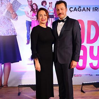Demet Akbağ'ı ilk kez Çağan Irmak ile buluşturan, sinema seyircisinin heyecanla beklediği  TAFF yapımı 'Nadide Hayat' 15 Aralık Salı akşamı Kanyon Cinemaximum Sinemalarında gerçekleşen galasında görücüye çıktı!