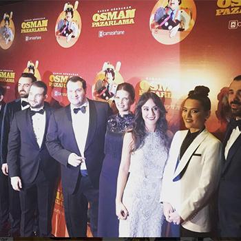 Şahan Gökbakar'ın merakla beklenen yeni filmi Osman Pazarlama'nın gala gecesi ünlü isimleri buluşturdu.
